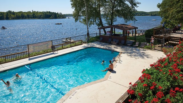 Ruttger's Bay Lake Lodge Pool