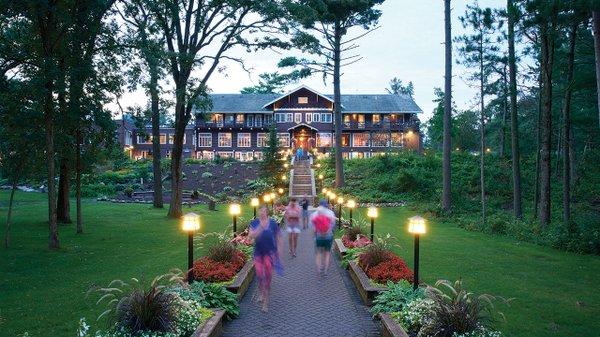 Grandview-Lodge---David-Bowman.jpg