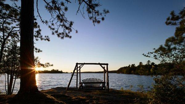 Ludlow's-Island-Resort-swing.jpg