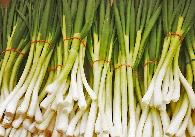 green onions / scallions