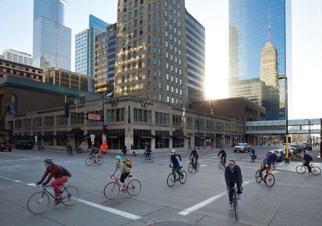 Downtown bike commuters