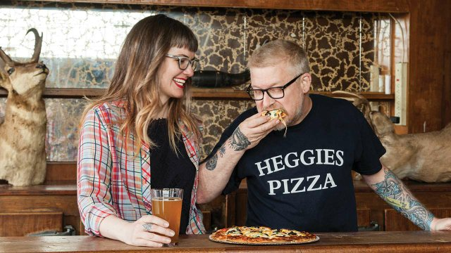 Doug Flicker and Amy Greeley eating Heggies Pizza