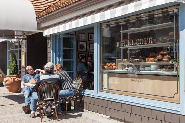 Bellecour sidewalk patio