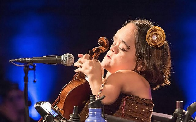 Violinist Gaelynn Lea
