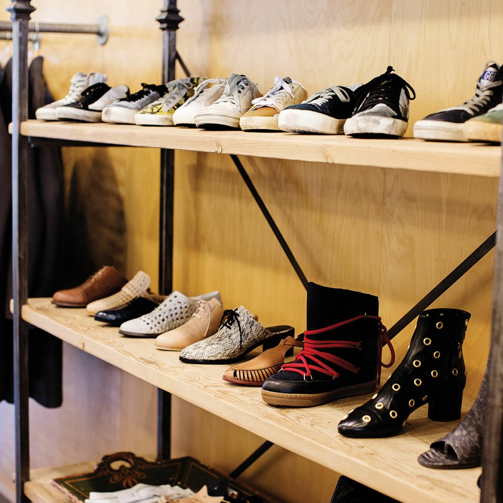 buying fall fashion with minneapolis boutique grethen