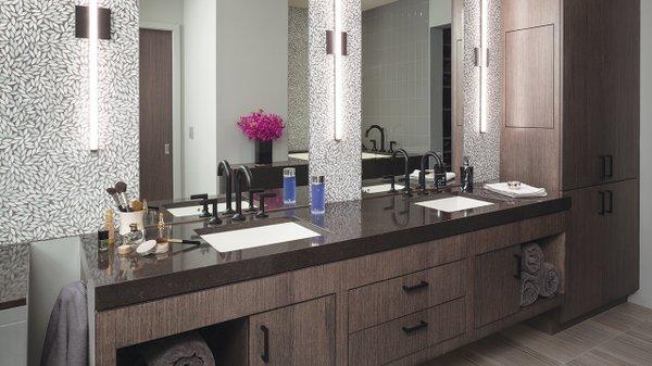 Modern bathroom with wallpaper
