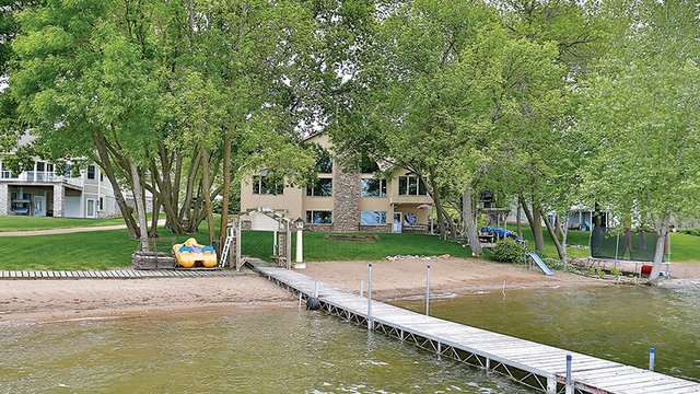 Edina Realty Chisago Lake 2017