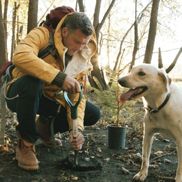 Woodchuck's Ben Vanden planting trees