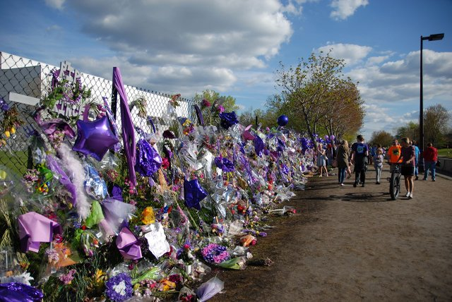 People mourning outside of Paisley Park after Prince died