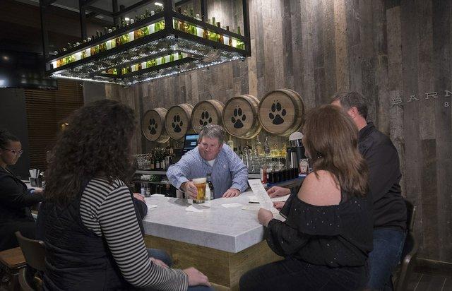 Barnwood Bar at Great Wolf Lodge