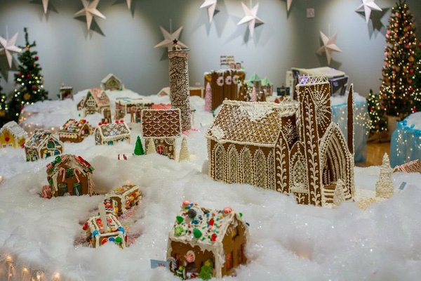 Gingerbread-wonderland.jpg