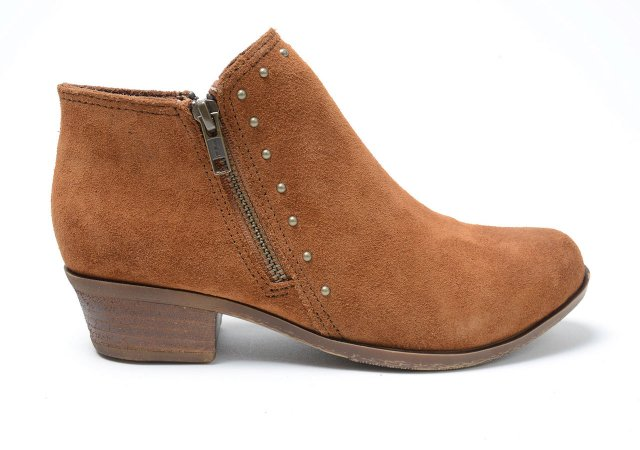 Clog-boots.jpg