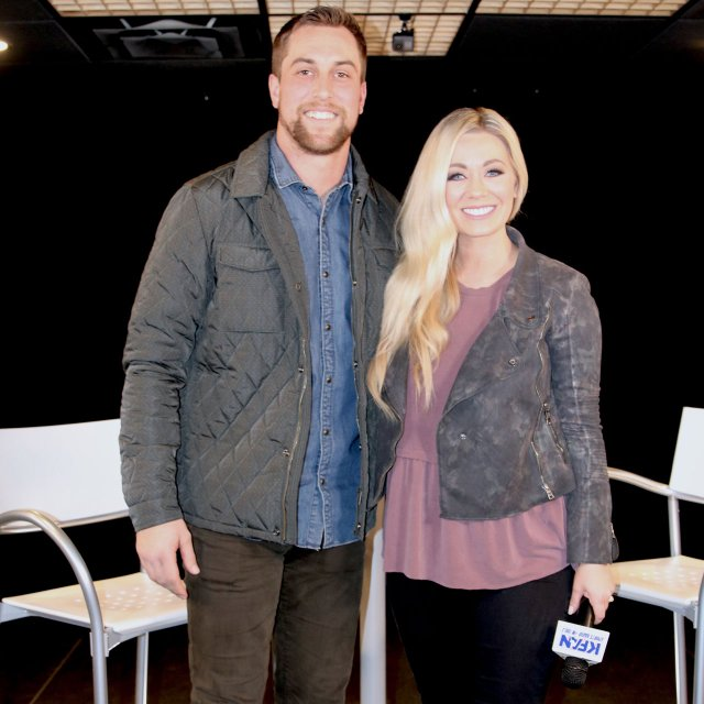 Carly Zucker S New Kfan Show Goes Beyond The Game Mpls St Paul