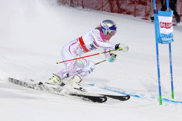 Lindsey Vonn skiing in a race.