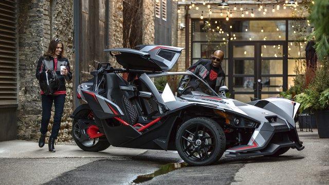 Slingshot three-wheel roadster