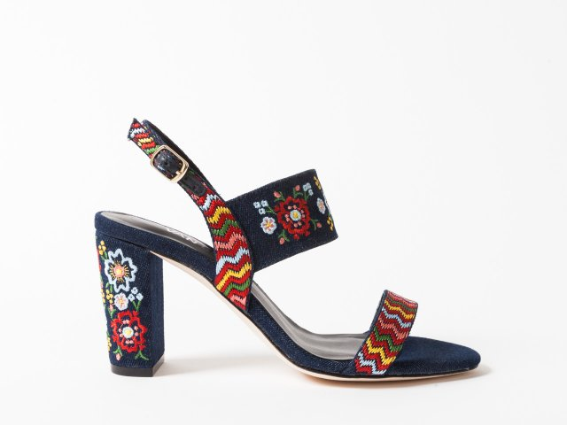 Flower shoes by Vaneli