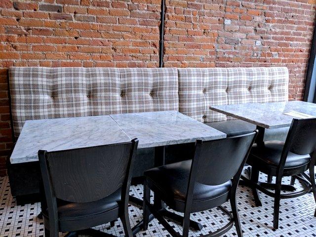 Parlour St. Paul tables