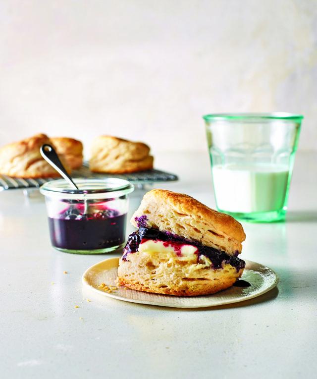 BiscuitswithBourbon-BlueberryQuickJam.jpg
