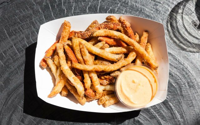 Frittes at Hot Indian in Target Field