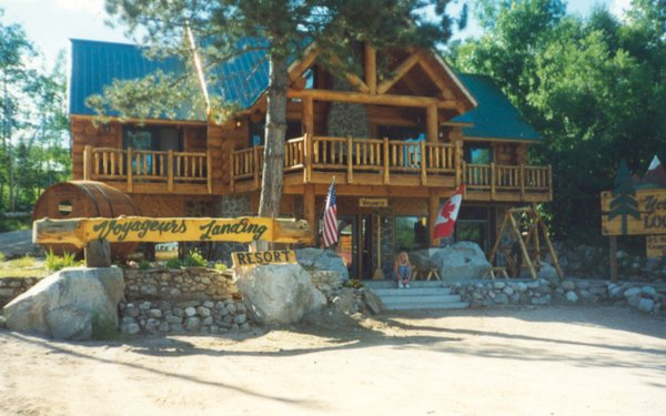 Voyagaire Lodge at Crane Lake