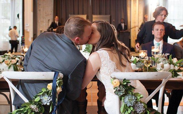 Maureen-Liam-kissing.jpg
