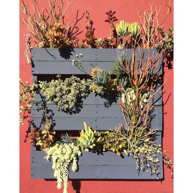 Vertical flower planter