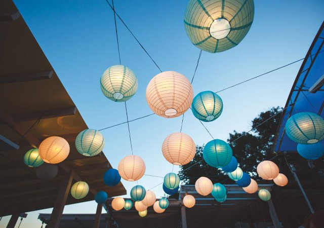 lanterns-at-party.jpg