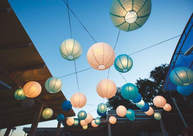 lanterns-at-party.jpg