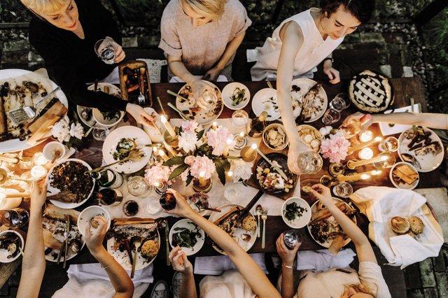 Fox Meets Bear Dinner Table
