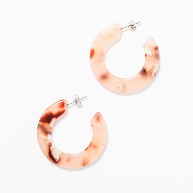 pink marble-colored loop earrings