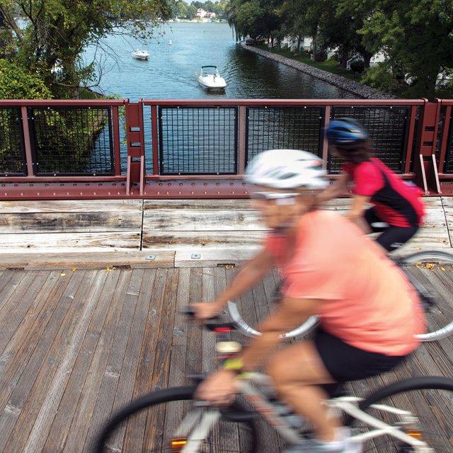 Biking around Lake Minnetonka