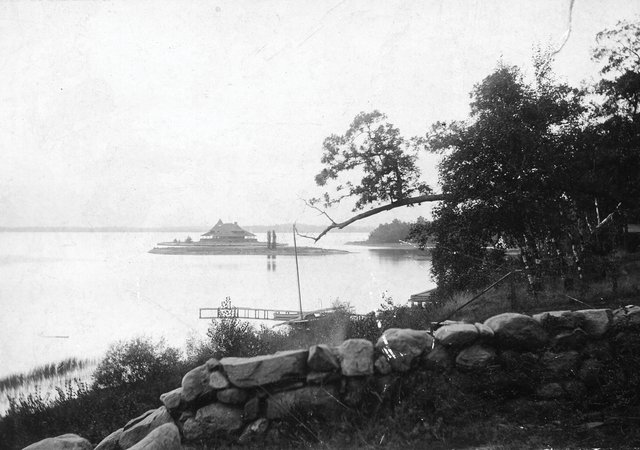 Lighthouse Island in Deephaven