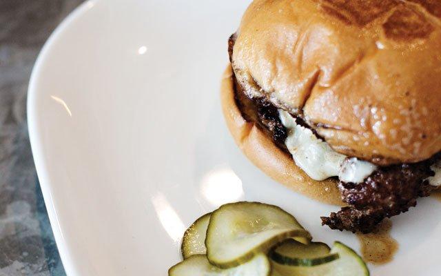 0813_burgermadness_c02_s04.jpg