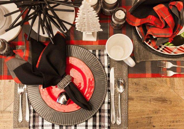 Plaid table setting