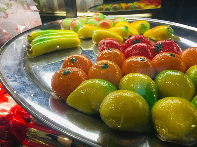 Kramarczuk at Christmas; marzipan fruits