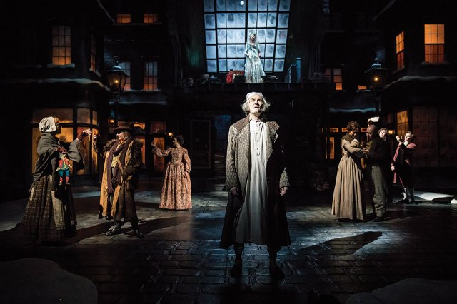 A Christmas Carol at the Guthrie