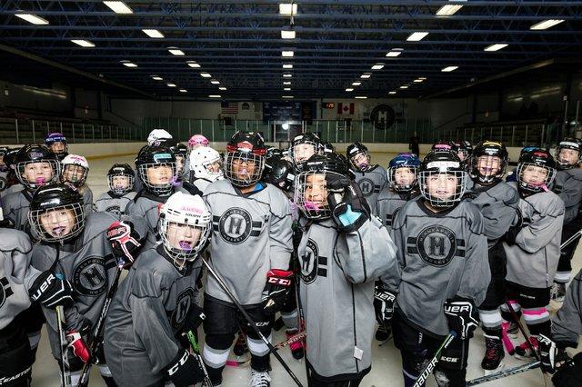 181117_MplsHockey_0414T.jpg