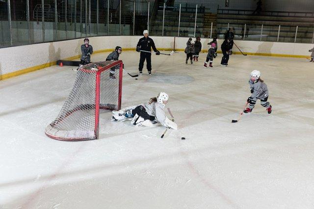 181117_MplsHockey_0662T.jpg