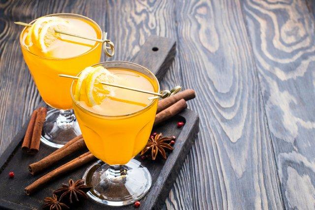 orange drinks with cinnamon