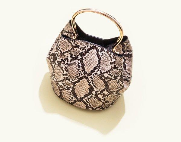 Metallic handle bag