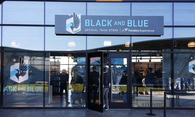 Black and Blue Store