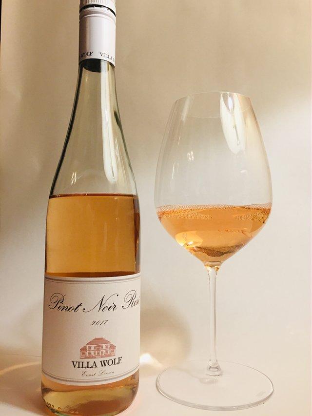 bottle of Pinot Noir Rosé