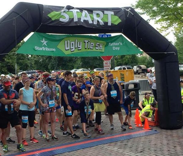 Start line at the Ugly Tie 5K