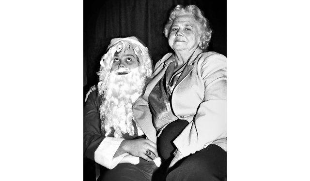 Louie Anderson and his mom Ora, 1981