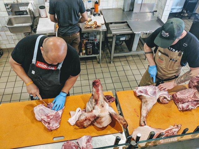 Vang preparing meat