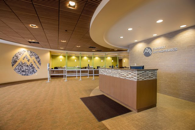 Check-in area at Summit Orthopedics