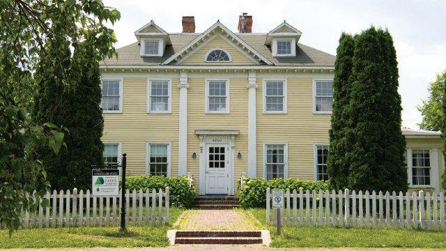 The-Longfellow-House.jpg