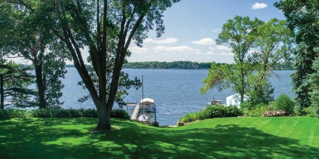 lake front propriety with dock