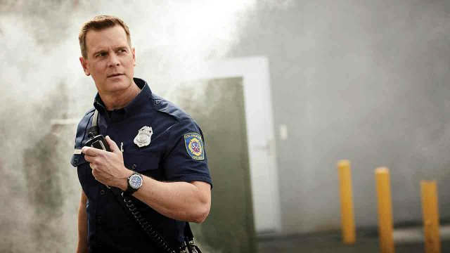 Peter Krause as firefighter Bobby Nash in 9-1-1