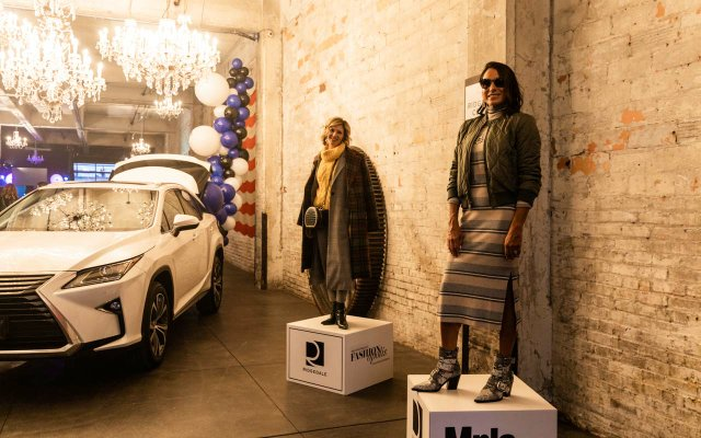 woman models at Fashionpolis